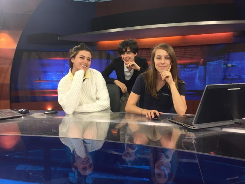 Journalism classes tour WMAZ-TV news