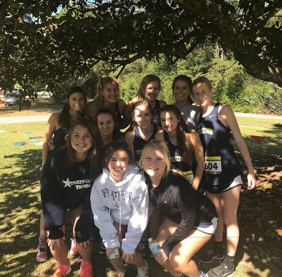 Girls+cross+country+team+heads+to+state