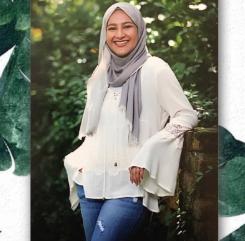Zuna Shabbir, senior
