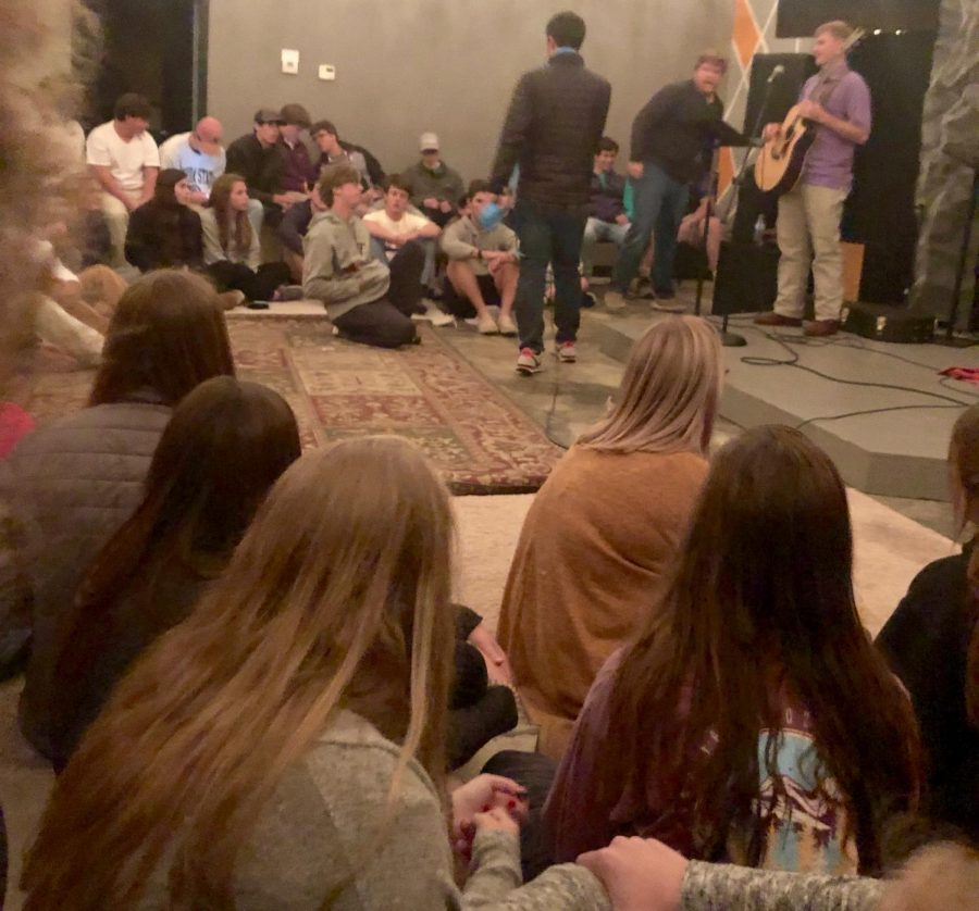 Young Life gives students opportunity for spiritual growth