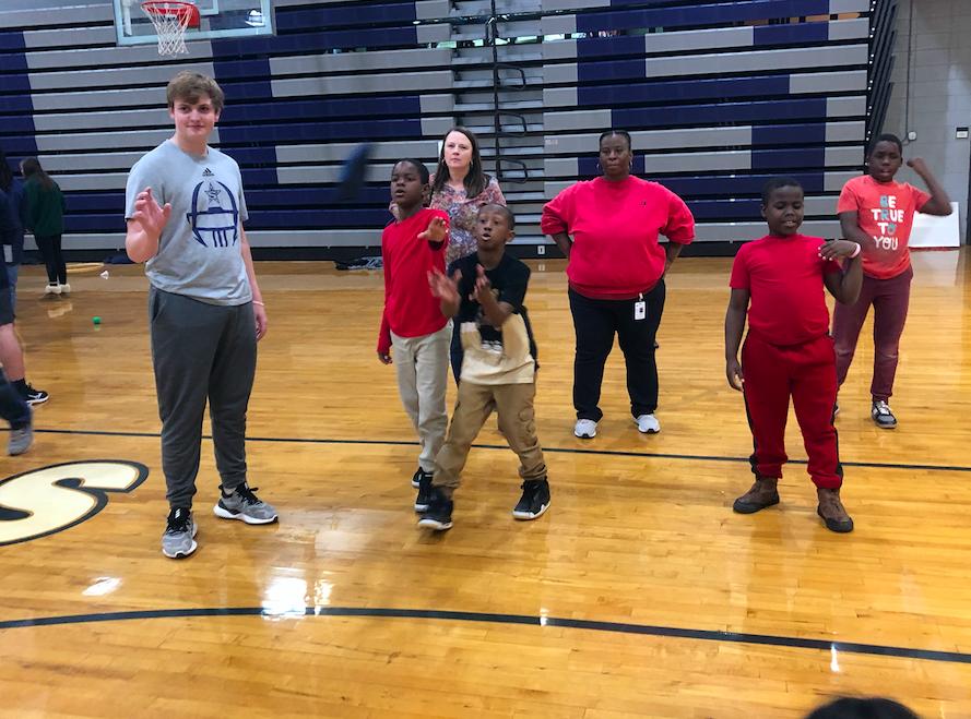 Sophomore class retreat in Grady gym hosting Elam Alexander's Field day.