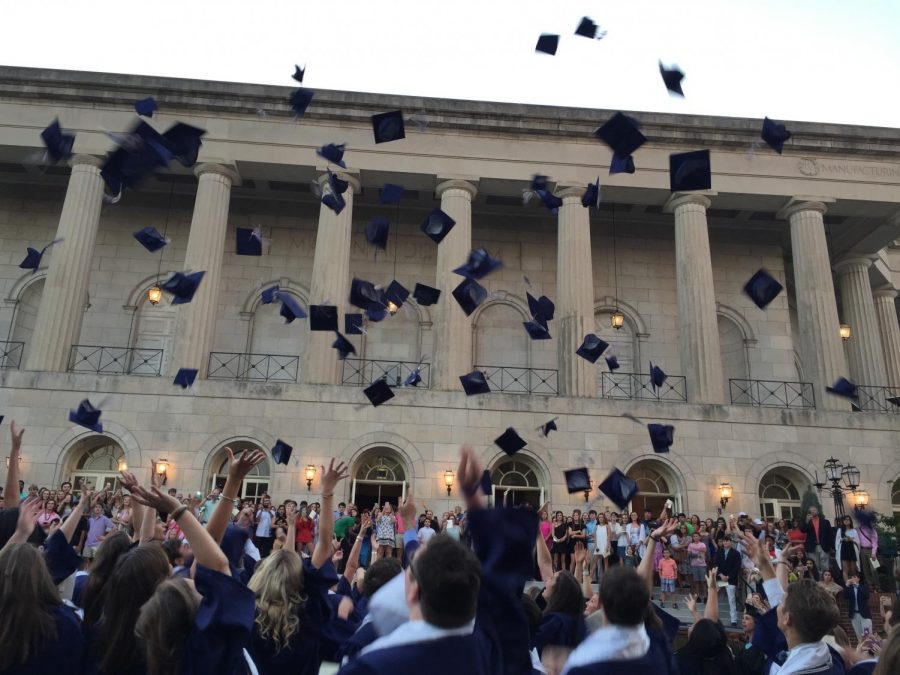 Graduation+gets+more+back+to+normal